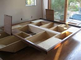 Afbeeldingsresultaat voor hoe maak ik zelf een bed met opbergruimte