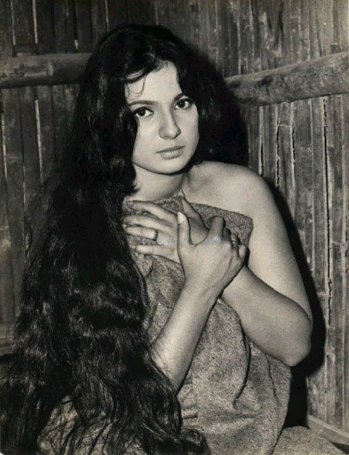 Retro+Bollywood+Stars+Whose+Beauty+And+Talent+Had+The+Mighty+Bowing+To+Them