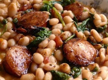 White Beans with Spinach & Sausage: kielbasa, cannelloni beans, garlic, spinach, chicken broth