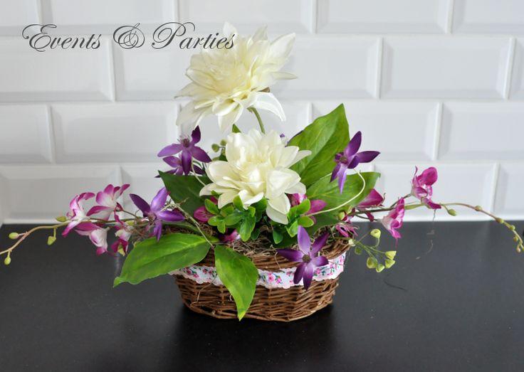 Cudny Kosz Bukiet Dalii do dekoracji stołu na Wielkanoc