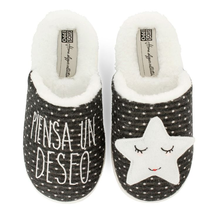 Grey slippers with white sleepy star in the left foot and message in the right. Upper, lining and insole in textile. Make a wish!