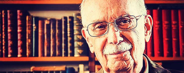 Antonio Candido de Mello e Souza nasceu no Rio de Janeiro, em 1918.Em 1939, ingressou no curso de Direito e de Ciências Sociais e Filosofia, ambos na USP.Desistiu do curso de Direito no quinto an…