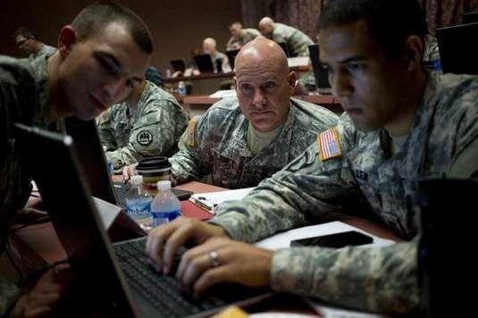 """Oι κυβερνοπολεμιστές του στρατού των ΗΠΑ """"ταπεινώνονται"""" από έφεδρους σε ασκήσεις ασφάλειας στον κυβερνοχώρο  - http://www.secnews.gr/archives/82061 -  Ο στρατός των ΗΠΑ πραγματοποίησε πρόσφατα μια σειρά από ασκήσεις πολέμου στον κυβερνοχώρο, θέτοντας έφεδρους hackers έναντι των ε"""