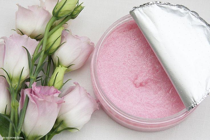 Peeling cukrowy Organique Bloom Essence   Po tej stronie lustra...