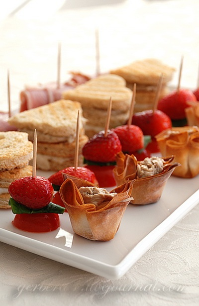 27 best images about finger food on pinterest mini for Valentines day party foods