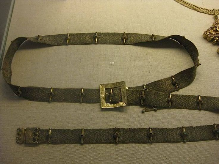 The belt of Eric of Pomerania', which is probably not a male belt at all. Denmark, 14th century buckle and 15th century mounts.