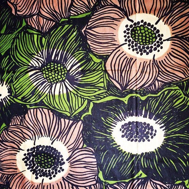 """""""Anemone"""" av Viola Gråsten #latapigan #vintage #vintagetyg #vintagefabric #retro #retrotyg #retrofabric #violagråsten #gråsten"""