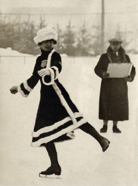 Schaatster tijdens Olympische Winterspelen, Chamonix / Skater during Winter Olympics, Chamonix, France 1924 (by Nationaal Archief)