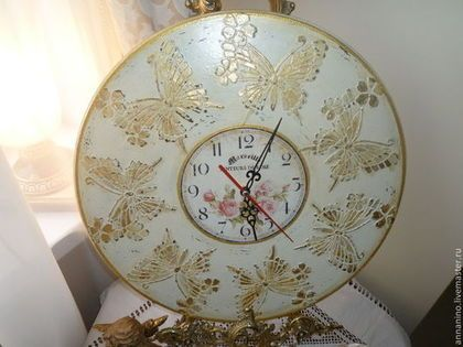 Настенные часы Долина бабочек - бежевый,настенные часы,часы на стену,интерьерные часы