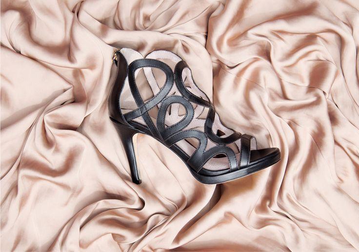 Elegance is refusal ! #realwoman #elegant #details