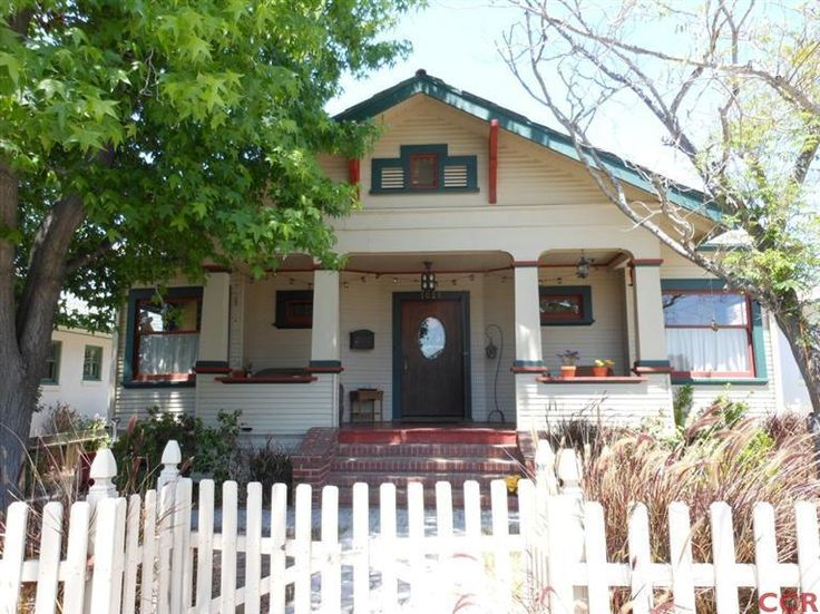 16 best porch railing images on pinterest front porch for Frank lloyd wright craftsman style