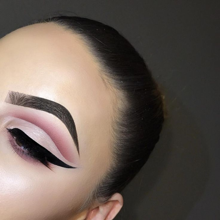 """698 Likes, 16 Comments - Emily Richards (@em.ii.ly) on Instagram: """"inspired by the beautiful @jamiegenevieve  DETAILS✨ EYES-  @makeupgeekcosmetics """"Bitten""""…"""""""