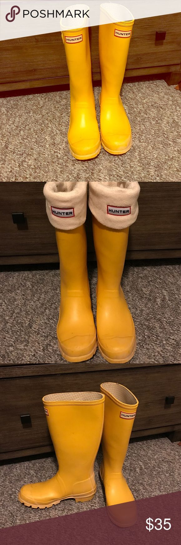 Hunter boots (yellow) with liner. US 4M/5F Like new Hunter Boots in classic yellow. Only worn once. Come with original fleece liners ($25 value). Perfect for rain, mud and snow! Kid size 5, but will fit if you wear women's 5-5.5 Hunter Boots Shoes Rain & Snow Boots