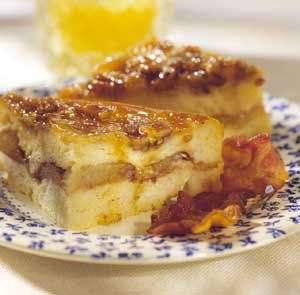 You know how great bread pudding is for dessert. But this bread pudding, with its combination of French toast and caramel rolls, deserves a special invite to your breakfast or brunch.: Breakfast Breads Puddings, Caramel Rolls, Apples Breads Puddings, French Toast, Breakfast Puddings, Apples Breakfast, Puddings Recipes, Apple Breakfast, Caramel Apples