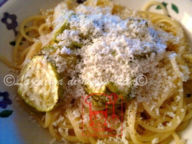 Pasta e zucchina napoletana | La cucina di nonna Rita