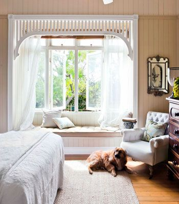 Old Queenslander home, bedroom with bay window