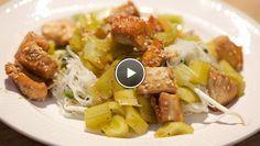 Mihoen met zoetzure bleekselderij en soja-kip - recept | 24Kitchen