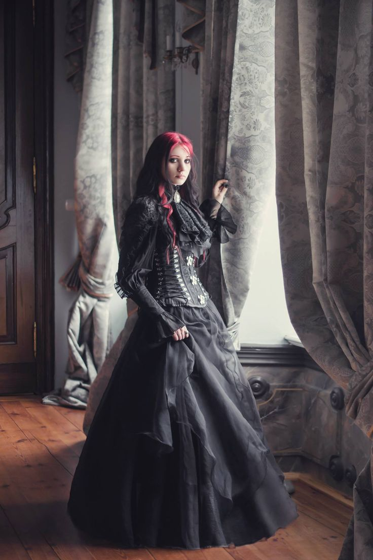 Photo: Aneta Pawska - Enchanted Stories Model: Bloody Dracarys Welcome to Gothic and Amazing | www.gothicandamazing.org