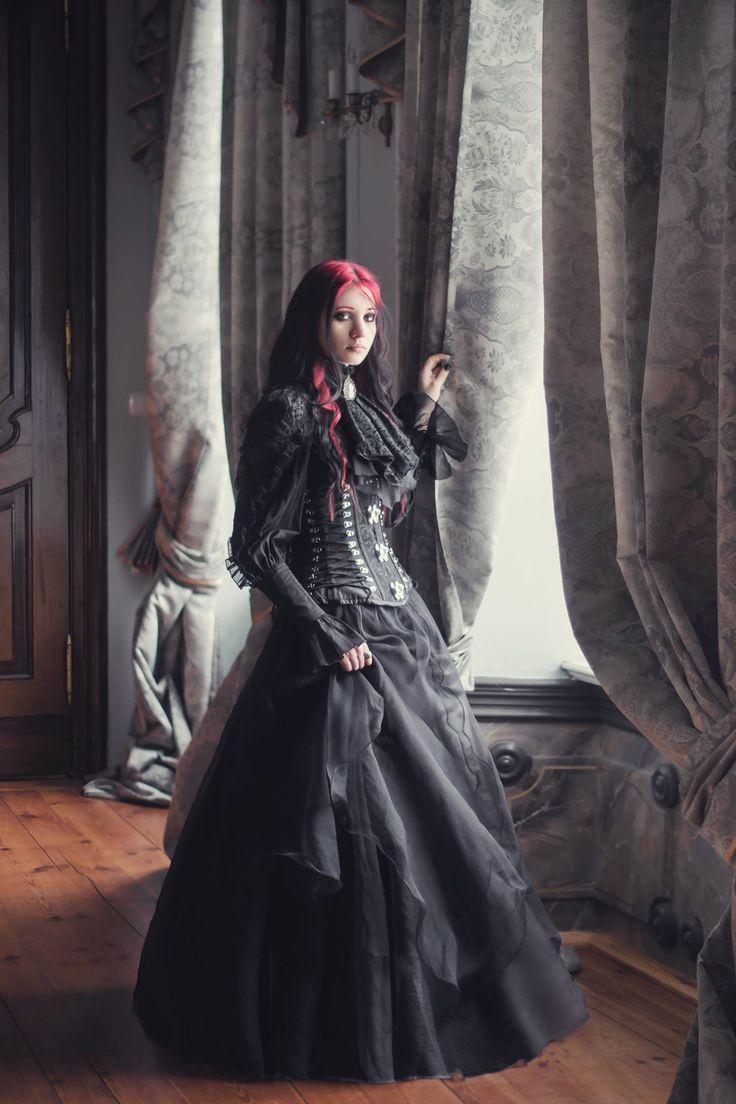 Photo: Aneta Pawska - Enchanted Stories Model: Bloody Dracarys Welcome to Gothic and Amazing | www.gothicandamazing.org