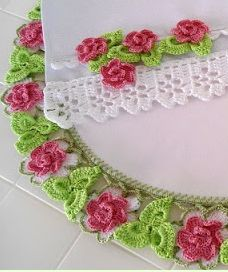 Gorgeous Flower Trim: pictures &  free pattern in Portuguese