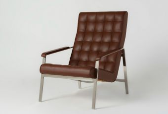 Sean Dix Chicago Lounge Chair code:CH9406Adimensions:705x885x945h Seat Height  materials:Polished Stainless Steel; Leather or Fabric Upholsterycolours:Stainless Steel, Seat: Various Colours of Fabric or Leather Availablepackaging:1pc per Carton 750x900x1000Description:Sean Dix Chicago Lounge Chair #OBODODESIGN #FURNITUREDESIGN