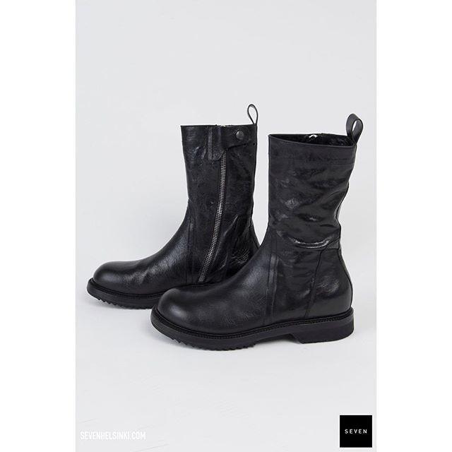 Still few sizes left. #rickowens #aw17 #glitter Creeper Boots #sale @ sevenhelsinki.com