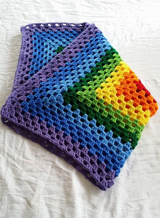 M s de 1000 ideas sobre mantas de crochet de arco iris en - Mantas ganchillo colores ...