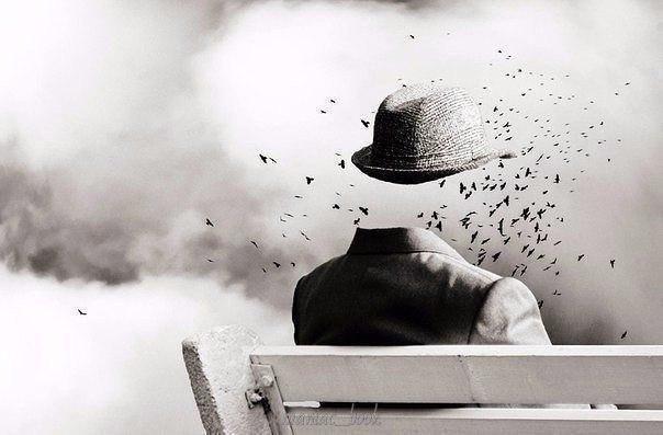 Человек умирает столько раз, сколько раз он теряет дорогих ему людей.   А. Чехов
