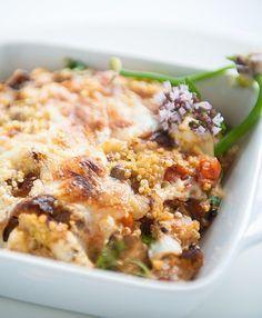 quinoa fritata met courgette, aubergine en parmezaan