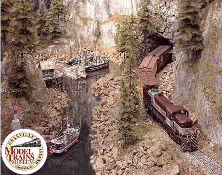 O Gauge Layout with Boats