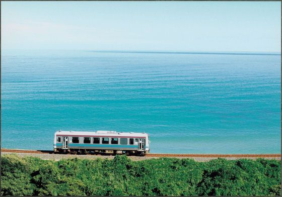 Summer train. Looking for more information aboout Shimane? Go Visit Shimane sightseeing navigation. http://www.kankou-shimane.com