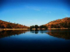 The beautiful Mount Abu Nakki lake is surrounded by hills on all sides and boating here is a blissful experience. This is the only artificial lake in India to be created at a height of more than 1200m from sea level.