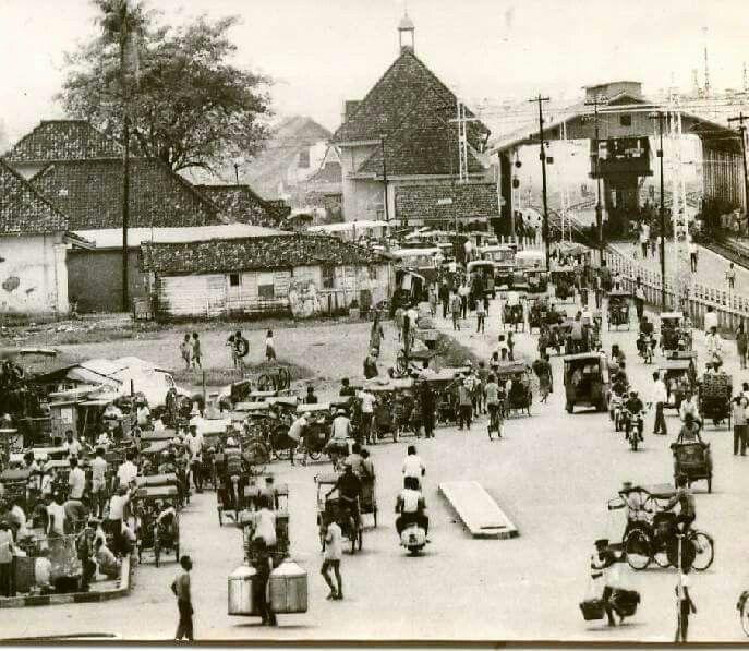 Stasiun Jatinegara, 1971