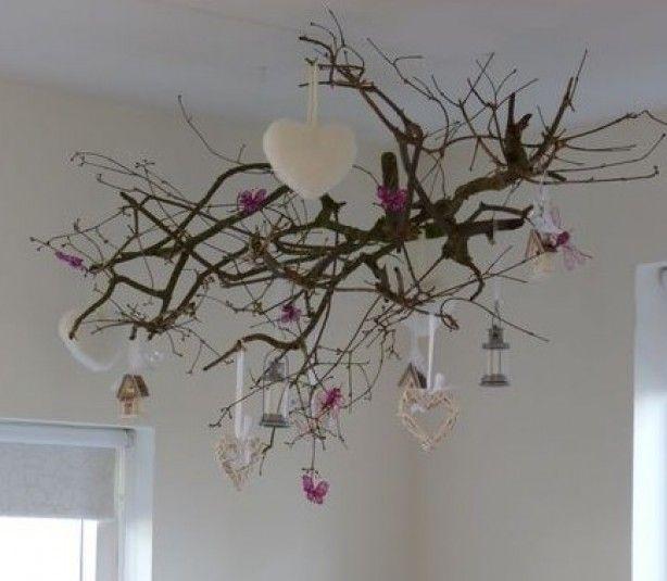 Leuke tak aan plafond, idee voor kerst, pasen of gewoon zo!