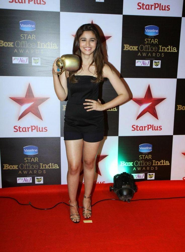 Alia Bhatt Hot Legs At Star Box Office Awards 2014 | Alia ...