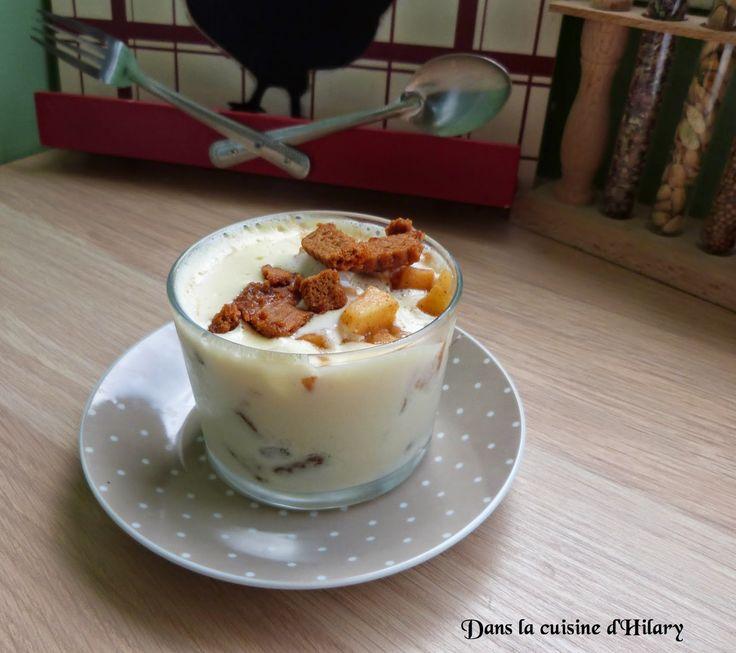 Ce midi régalez-vous avec un chti'ramisu aux pommes caramélisées et spéculoos!! http://danslacuisinedhilary.blogspot.fr/2014/11/chtiramisu-aux-pommes-caramelisees-et.html