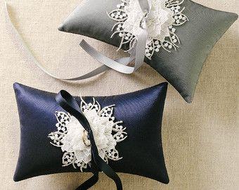 Argento anello nuziale cuscino, portatore cuscino anello blu marino, matrimonio anello cuscino di seta, supporto dell