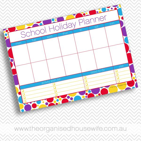 What a great idea - a school holiday planner to keep track of all the playdates & activities to keep you organised (via theorganisedhousewife.com.au)