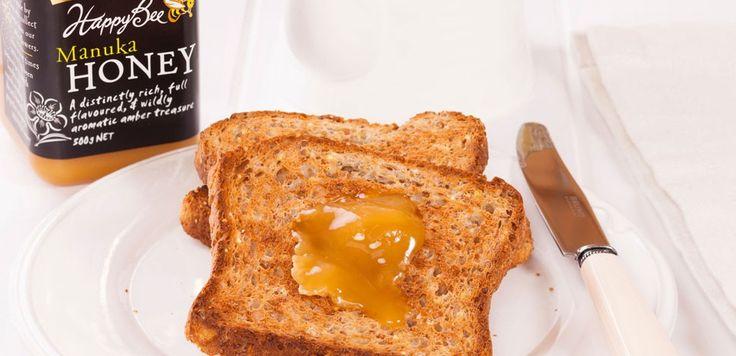 Che cos'è il miele di Manuka e quali sono le sue proprietà e benefici? Ve lo spieghiamo noi! Il miele di Manuka è una particolare varietà di miele estratto, appunto, dalle piante di Manuka, originarie della Nuova Zelanda. Questo miele è molto raro proprio perché le piante di Manuka si trovano solo in Nuova Zelanda e  … Continued
