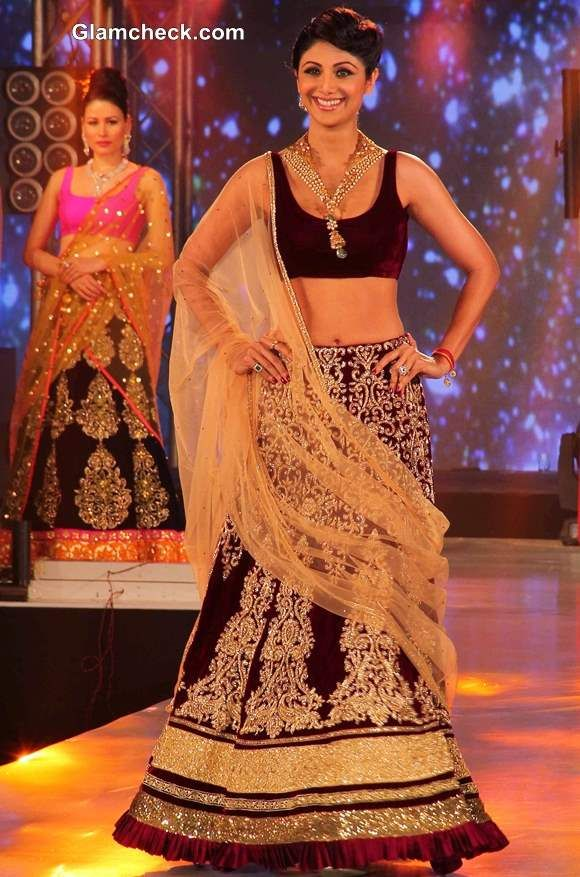 Shilpa Shetty in Maroon Lehenga at 2013 IBBS Fashion Show