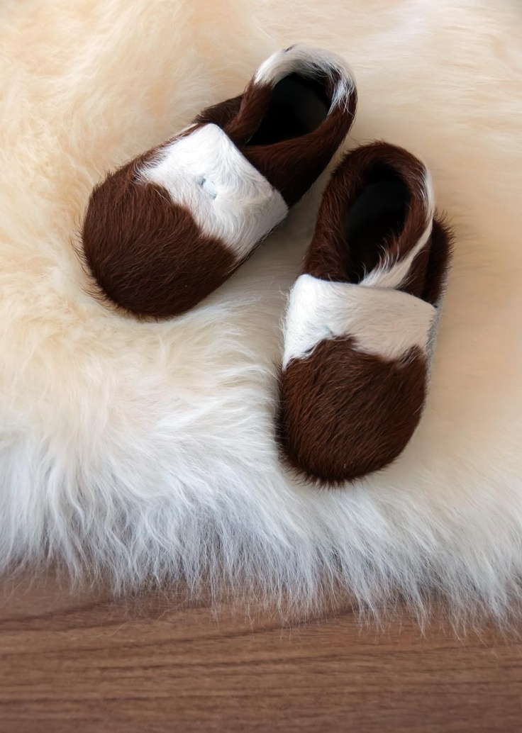 Beautiful calfskin baby booties from Gorgeous Creatures. So super cute and the ideal gift for your grandchild.