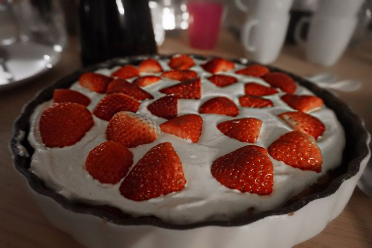 Opskrift   hjemmelavet jordbærtærte