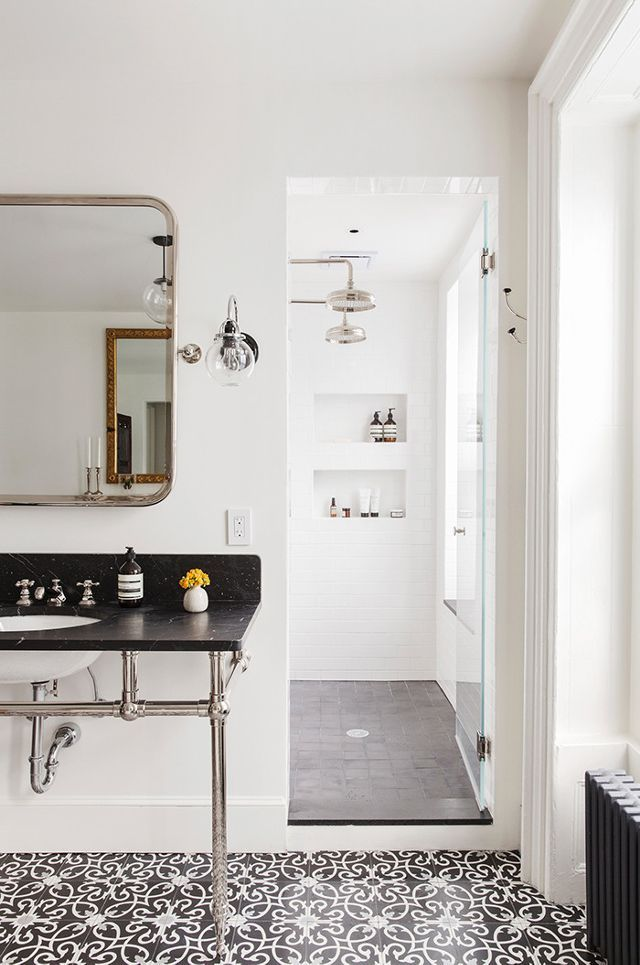 Blame it on the impending extinction of Carrara marbleor the rise of edgier designs, but black marble definitely started replacing its white counterpart in 2016, and we're only going to see more...