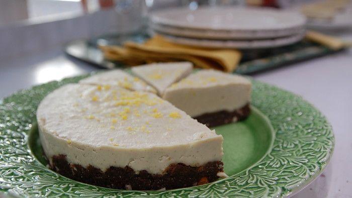 Raw citroncheesecake med chokladbotten | svenska.yle.fi