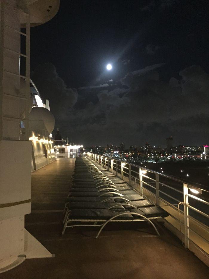 #CelebritySummit in the moon light!