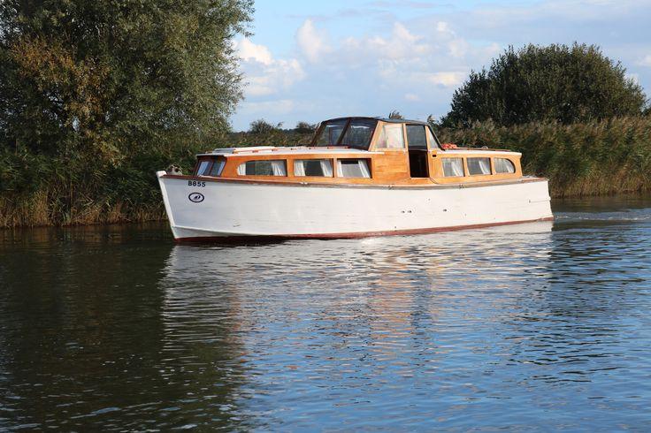 "Norfolk Broads Motor Cruiser ""Janet"""