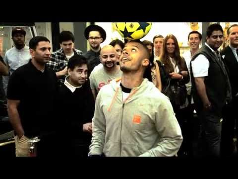 FOOTBALL FREESTYLE BY JEREMY LYNCH / iFILM LONDON / UTTER NUTTER STORE LAUNCH