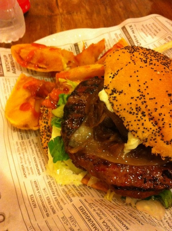 In the mood for a tasty hamburger? Go to Kiosko Burger, one of  our favorite restaurants in Barcelona. Address: Marques de l'Argentera 1 bis, Barcelona.