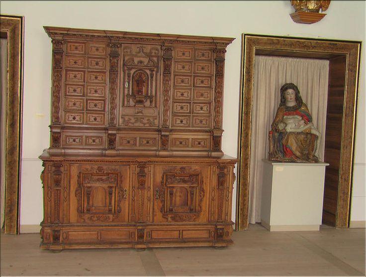 les 25 meilleures id es de la cat gorie meubles gothiques sur pinterest salle gothique d cor. Black Bedroom Furniture Sets. Home Design Ideas