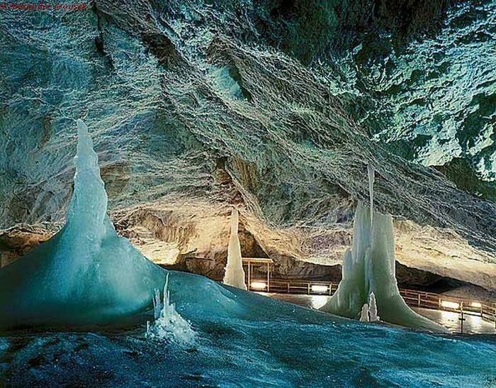 Dobšinská ľadová jaskyňa, Slovakia foto: Lukas Koska